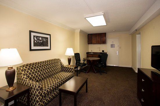 Athens, Gürcistan: Meeting space in a guest room for your convenience
