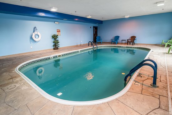 Kentland, IN: Pool