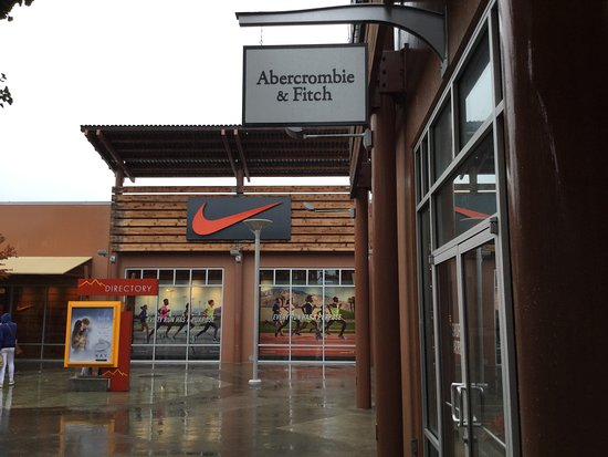Marysville, WA: Abercrombie & Finch and Nike.