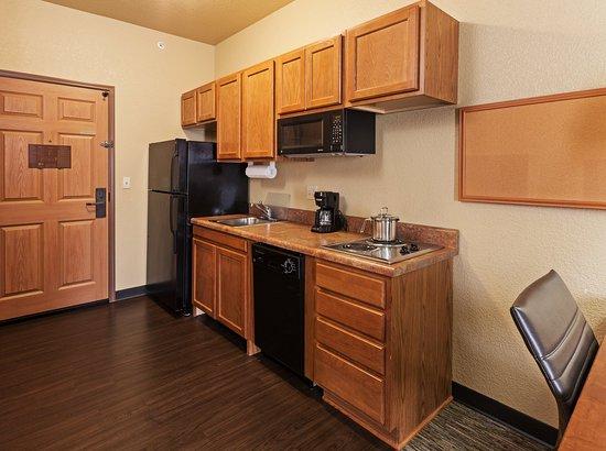 Saint Robert, MO: Queen ADA Kitchen