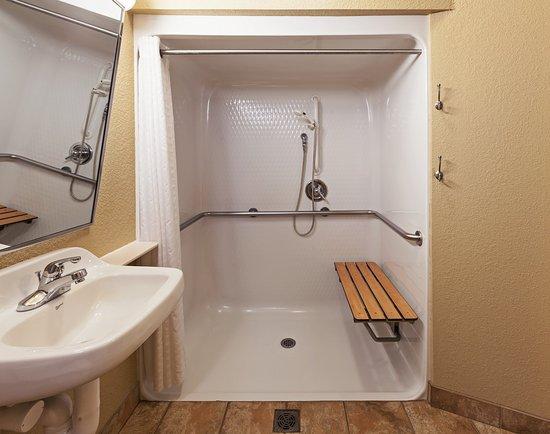 Saint Robert, MO: Queen Studio ADA Shower