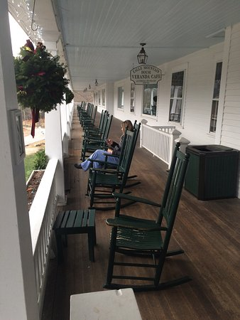 Eagle Mountain House & Golf Club: I have come to this Inn since I was 8 years old. It is still an amazing experience. They have s