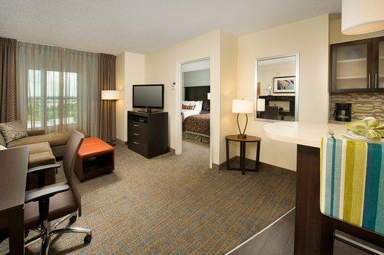 Staybridge Suites Dallas-Las Colinas Area: One Bedroom Suite