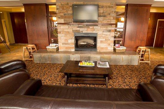 Drayton Valley, Canada: Hotel Lobby