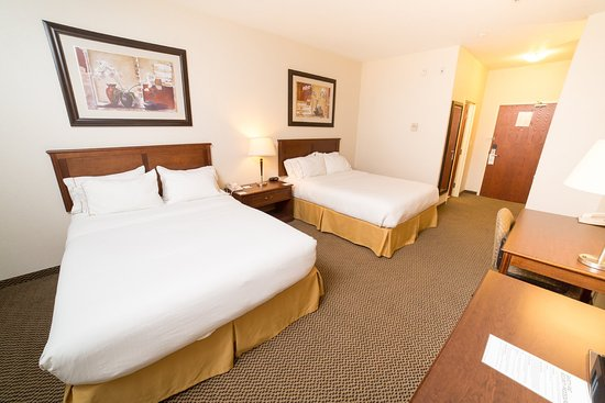 Drayton Valley, Canada: 2 Queen Size Beds