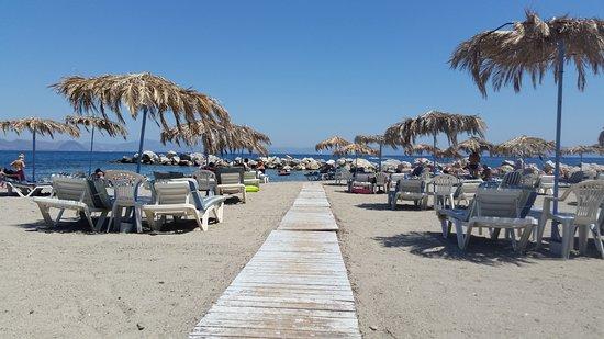 Hotel Iris: Theodouro beach, 5 minut walk from the hotel