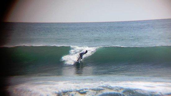 El Transito, نيكاراجوا: Surfista en pleno