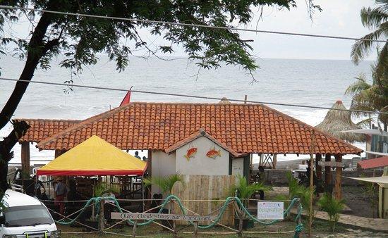 El Transito, نيكاراجوا: Imagen desde la entrada.