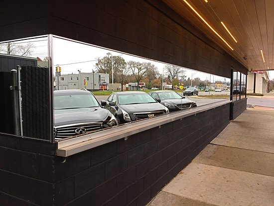 Royal Oak, MI : Mirrored front of the diner