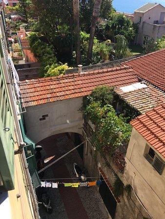photo1.jpg - Foto di La Terrazza Dei Pelargoni B&B, Ventimiglia ...