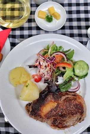 Hamilton, ออสเตรเลีย: Amazing meal ! Cape Rim beef !