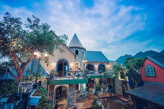 Lai Chau, Vietnam: ngày nắng lên, Dreamy soi mình bên dòng suối lung linh!
