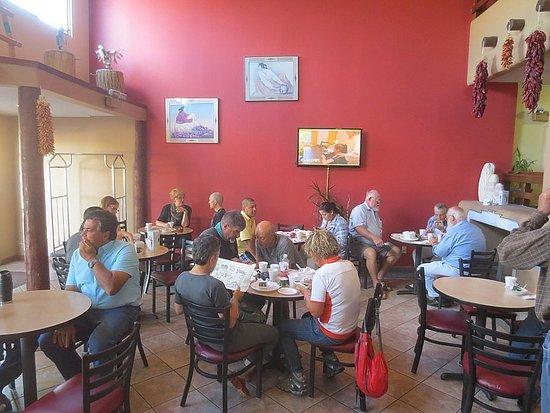 Super 8 Santa Fe: Breakfast area