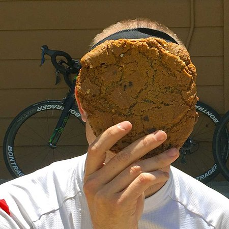 Pescadero, Califórnia: How big are their cookies? Big enough to consistently pass the cookie face test!