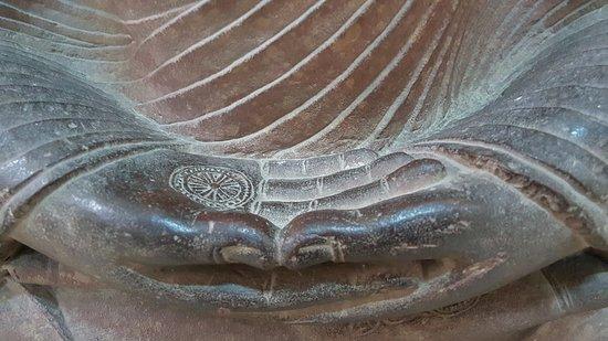 Buddha Museum: Statue detail