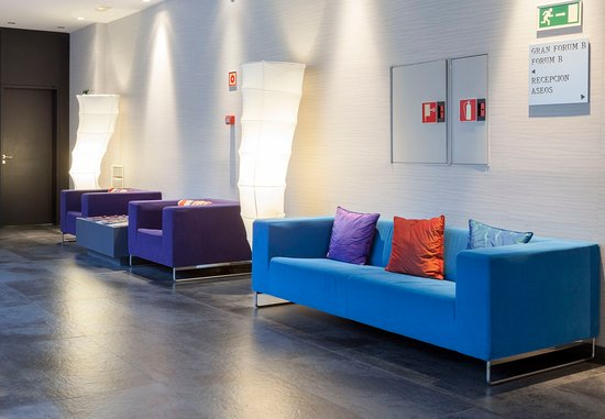 Foyer Seating Area : Fotos de pozuelo alarcón viajeros