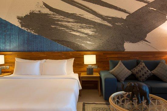 Mantra Samui Resort: Love Garden View Room Bedroom Backdrop