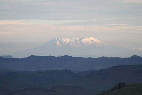 Te Kuiti, New Zealand: Looking south from Waitomo Boutique Lodge