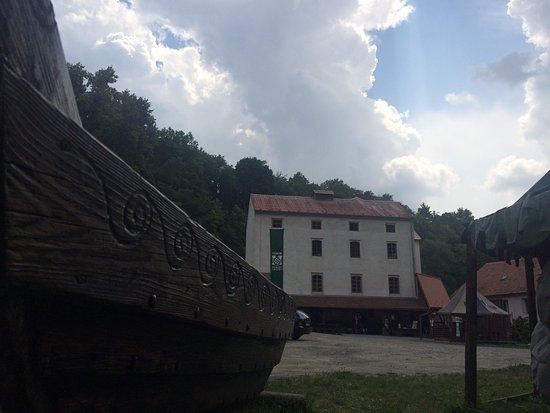 Tabor, Czech Republic: Hostel Housuv Mlyn