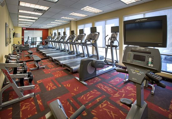 Paramus, NJ: Fitness Center