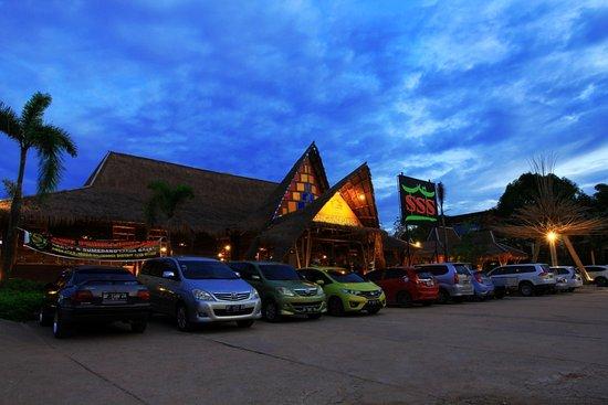 The 6 Best Hotels Near Port of Batam Centre, Batam Center