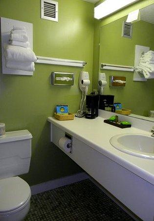 Millinocket, ME: Bathroom