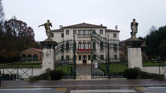 Villa Donà dalle Rose, Romanin Jacur