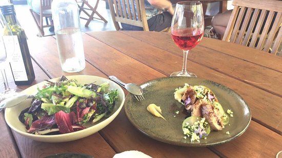 Coriole Winery: salad leaves and pork tenderloin