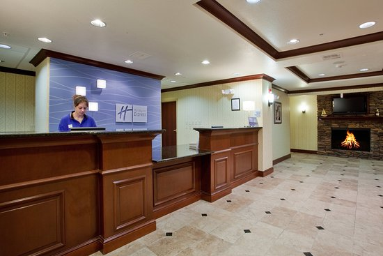 Holiday Inn Express Hotel & Suites Exmore: Welcome and Reception Desk