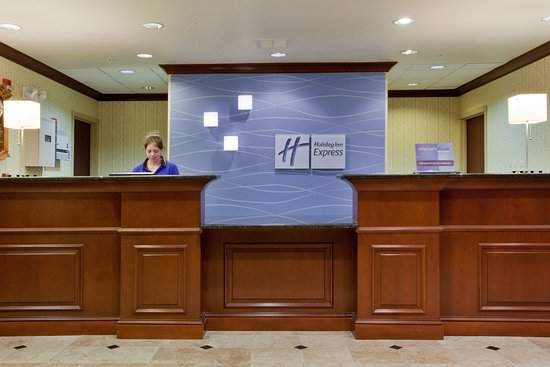 Holiday Inn Express Hotel & Suites Exmore: Speak to our friendly Front Desk Staff`s