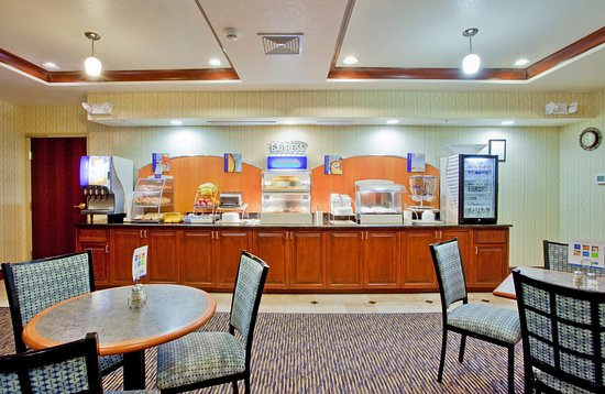 Holiday Inn Express Hotel & Suites Exmore: Complimentary Hot Breakfast for all our guests