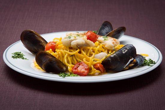 Antica Trattoria dei Leoni: Dalla carne al pesce ogni nostro primo piatto è curato nel minimo dettaglio.
