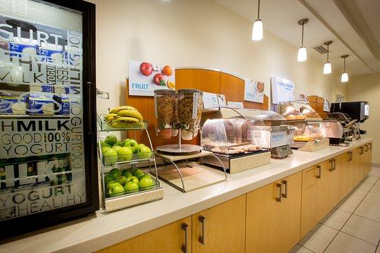 Stellarton, Canada: Hotel Breakfast Buffet