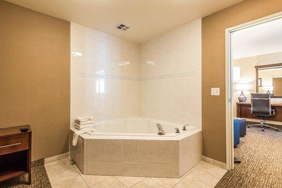 Firestone, Колорадо: Whirlpool room