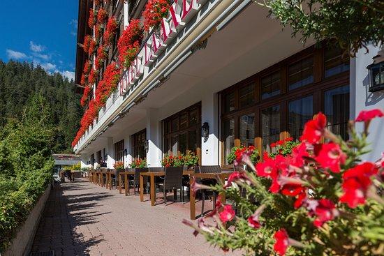 Hotel Laaxerhof: Sonnenterrasse