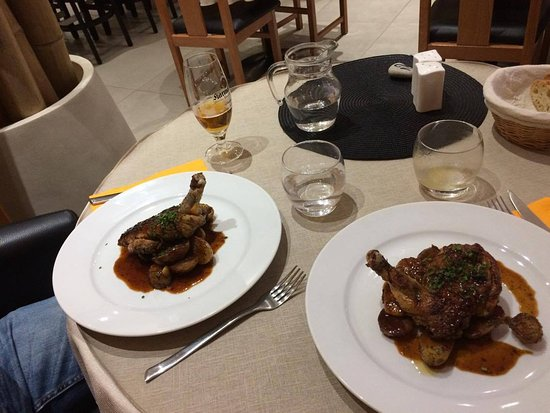Plats Pintade Pommes De Terre Picture Of La Salle A Manger A
