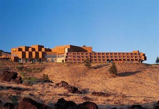 Kah-Nee-Ta Resort & Spa: Exterior View