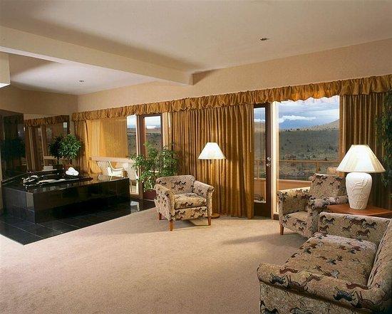 Warm Springs, OR: Suite
