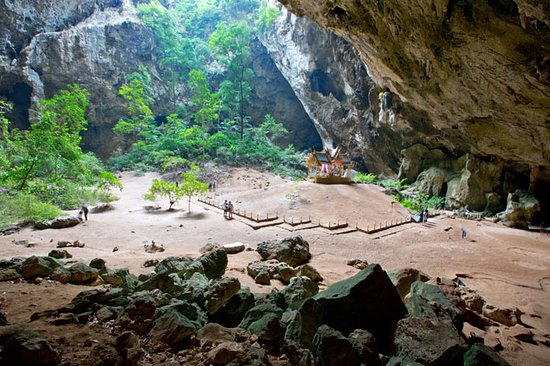 Sam Roi Yot, Thailand: A wider view of the main cave
