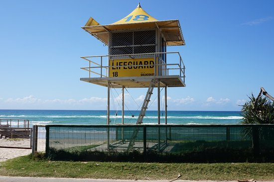 437d3868389 A Life Guard watch tower - Picture of Burleigh Heads Beach