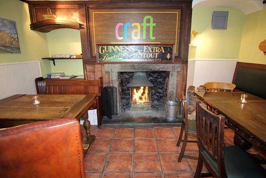 Wigtown, UK: Comfortable bar seating