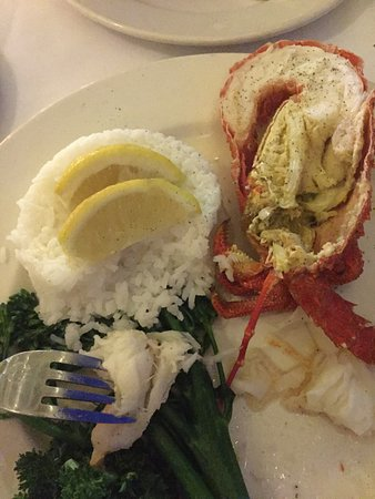 Cleveland, ออสเตรเลีย: Lobster with rice and greens