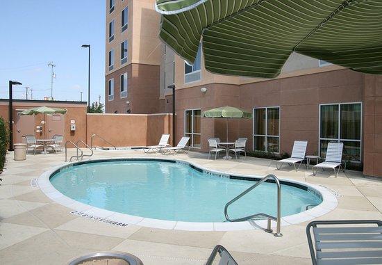 Schertz, TX: Outdoor Pool & Spa