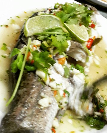 Ton Ma Yom Thai Food Restaurant: Steamed Fish with Lemon