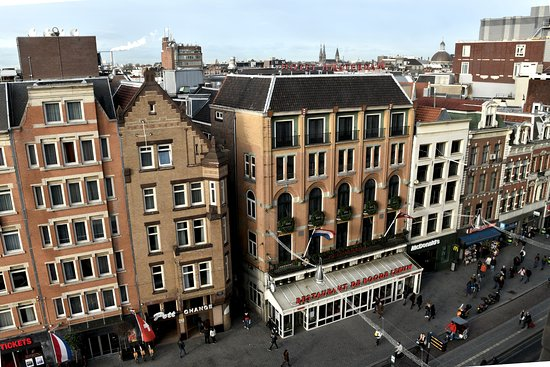 Hotel Amsterdam - De Roode Leeuw: Facade