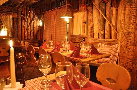 Laax, Switzerland: Fonduestall Clavau Pign