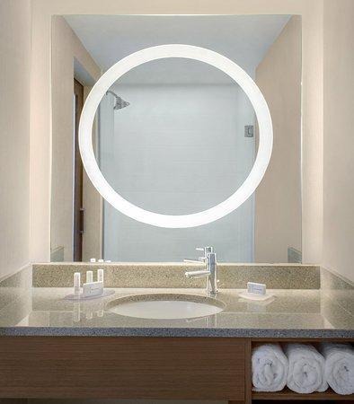 Bellport, NY: Guest Bathroom