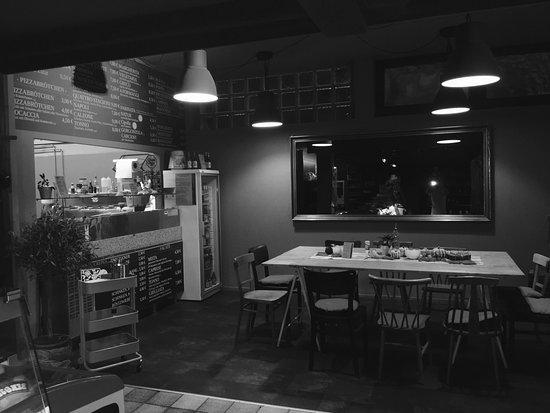 pizza pandoro esslingen am neckar restaurant. Black Bedroom Furniture Sets. Home Design Ideas