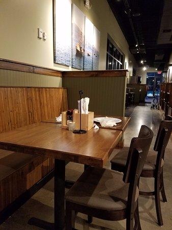 Daphne, AL: seating area