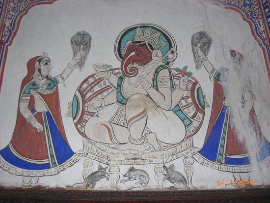 Mandawa, India: Fresko im Innenhof